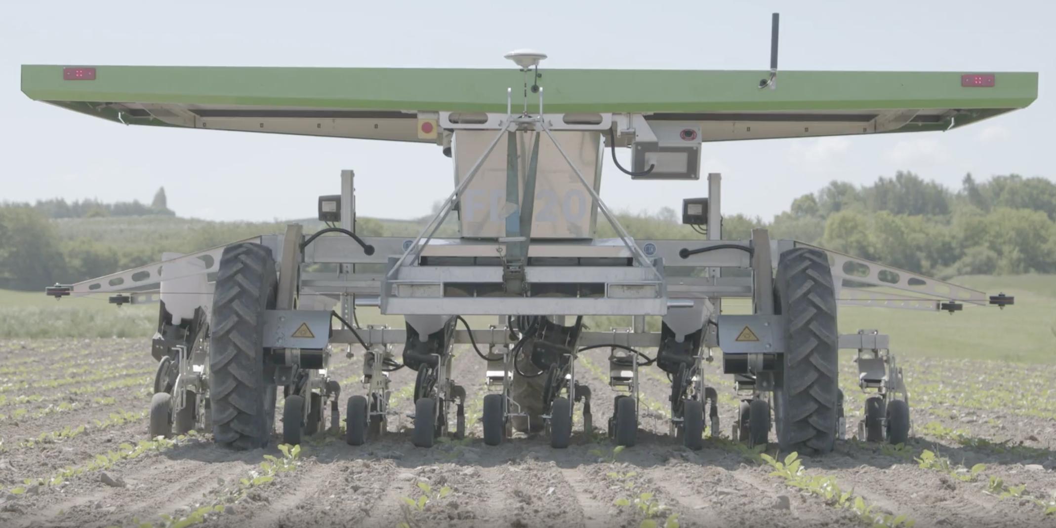 播種と除草の両方を行う全自動ロボットを開発・販売するデンマークの農業ロボット企業FarmDroid社