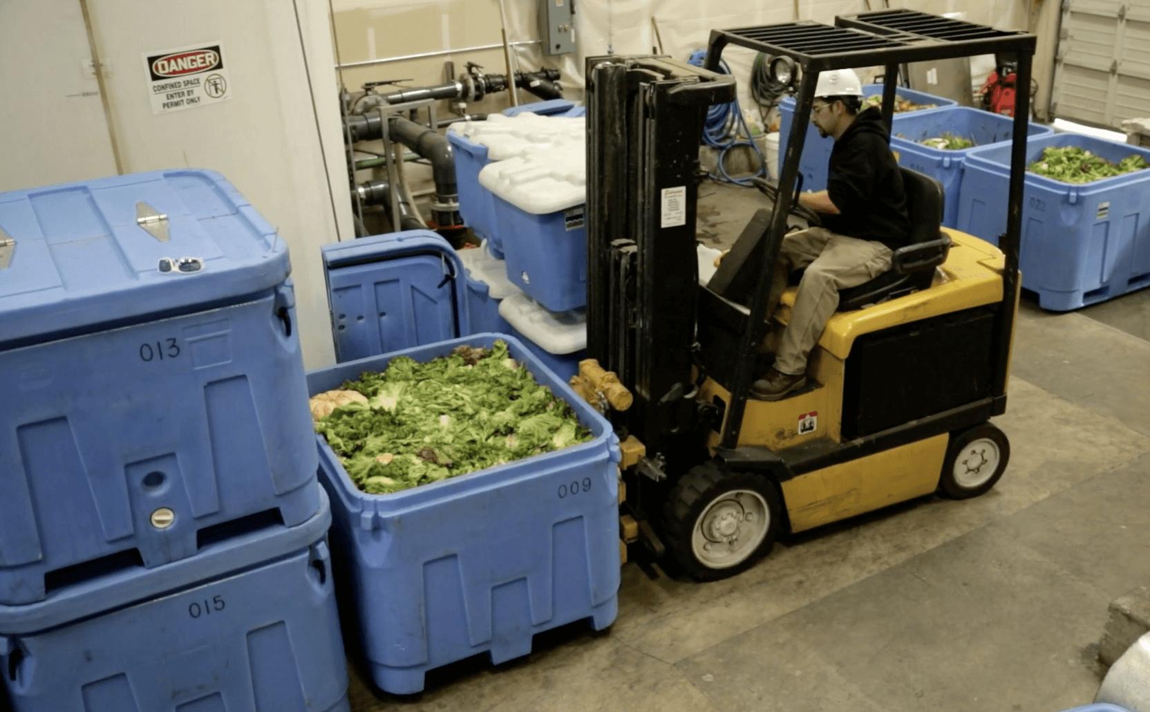 野菜が野菜に生まれ変わる。廃棄野菜から肥料を作る California Safe Soil の事業と製品を紹介