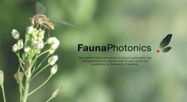 昆虫をモニターし、病気の制御や生物多様性を理解するのためのリモート光センシング技術を開発するFaunaPhotonics社について解説